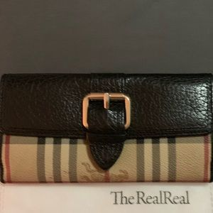 💯 Authentic Burberry nova check wallet 💯
